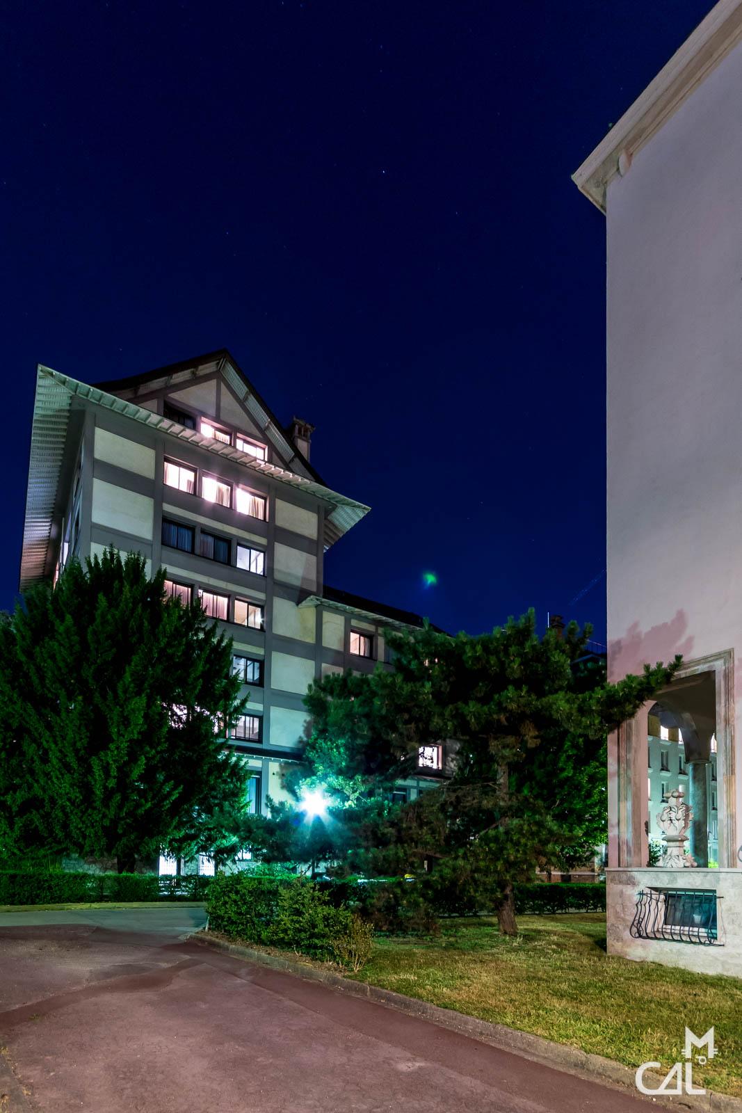Cit universitaire maison du japon dominant la maison de for Maison de norvege cite universitaire